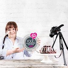 Reka Csulak - Photographer • Food Stylist • Creative Educator logo