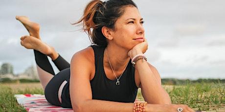 DIA INTERNACIONAL DE YOGA con Lola Castillo biglietti