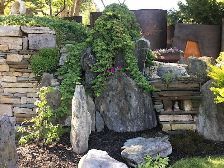 Image de Taille et sculpture d'arbustes/Huguette Larocque
