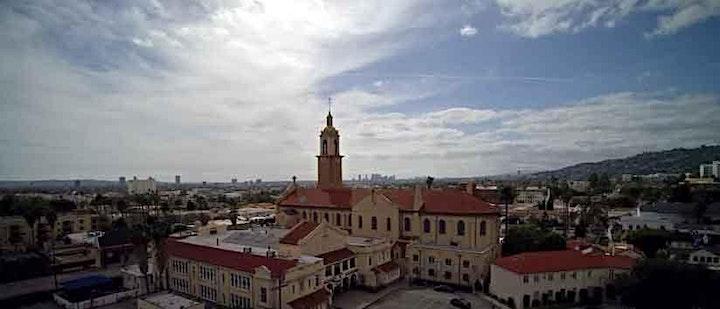 Bienvenido, reserve su espacio para la misa en español a las 9 am image