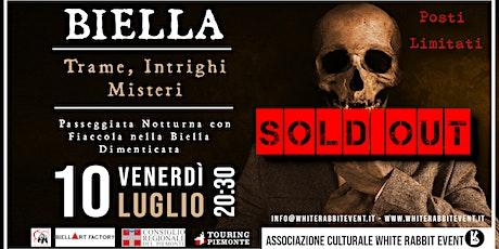 Biella: Trame, intrighi e misteri - Passeggiata notturna con fiaccola biglietti