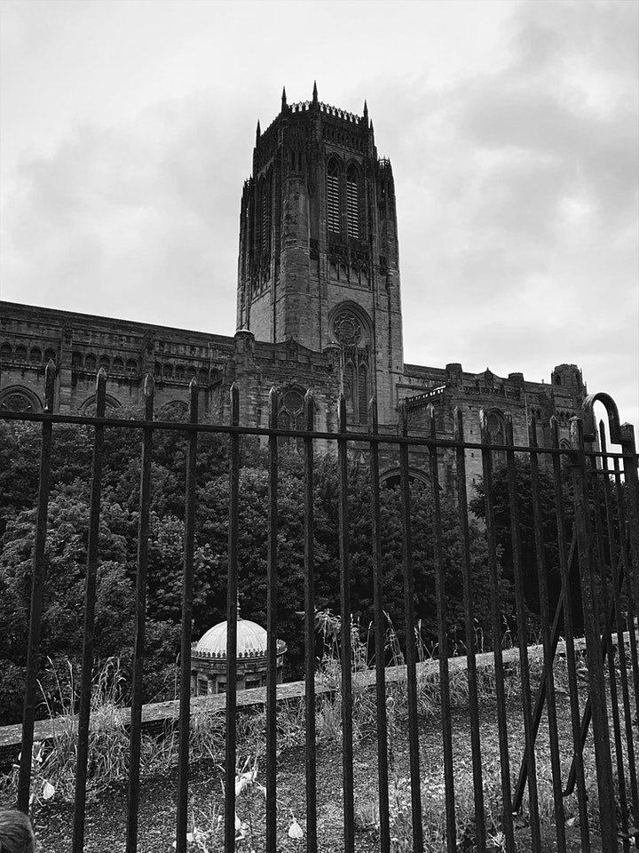 Liverpool Interactive Ghost Walk With Haunting Nights image