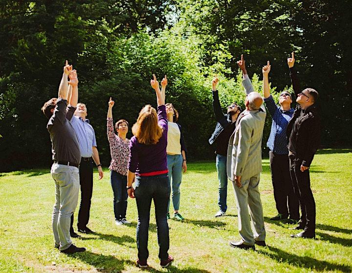 Thiagis Interaktive Strategien in Lehre und Training | Muna & Alex image