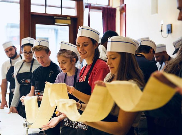 Italian Dinner with Tiramisu Finale (2-hour Cooking Class+Dinner) image
