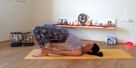 Online-Yoga-Class Live, 60 - 90 min. in Deutsch Tickets