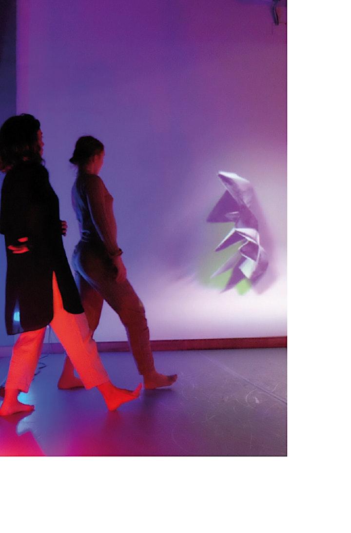 Imagen de Cía.Fluenz  DUALS  (ESCENA D´ ACI) Danza