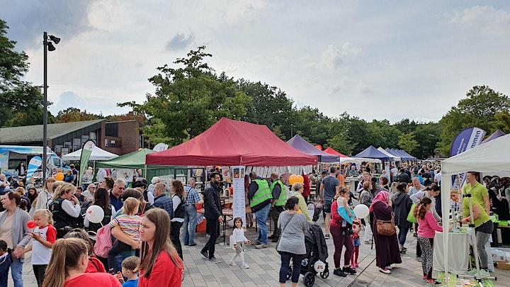 Flohmarkt auf dem Neugrabener Markt: Bild