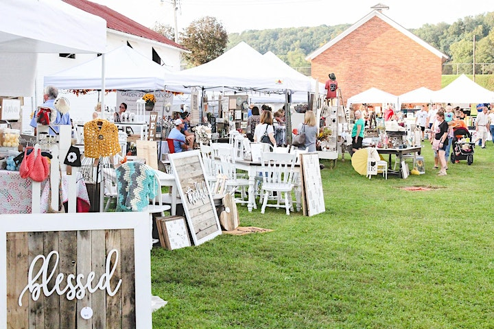 Getaway Package: Spring at the Round Barn-Vintage & Made Market image