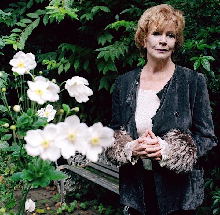 Translating Edna O'Brien's 'Girl' image