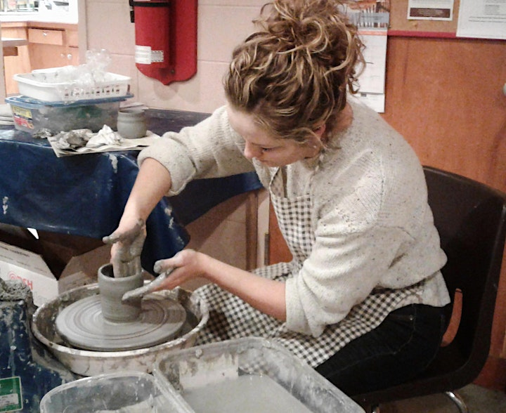 Pottery Class for Adults and Kids  8 years and older image