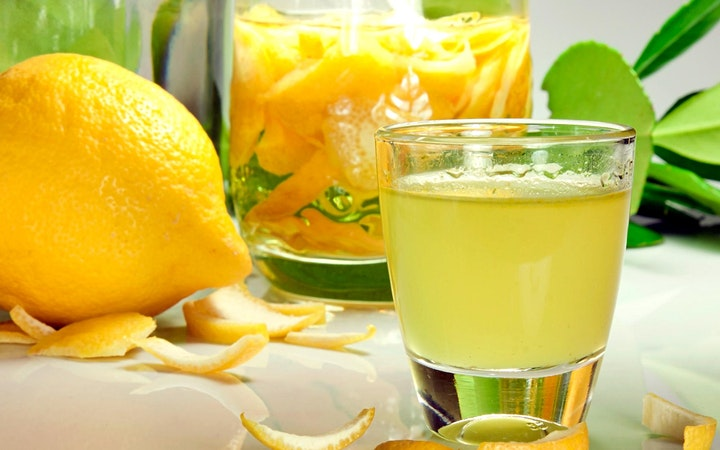 Street Food & Limoncello Experience in Naples! image