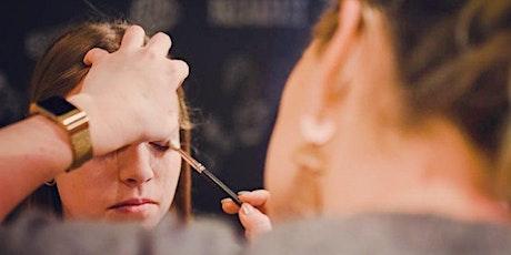 Tieners: Haar opsteken en make-up tickets