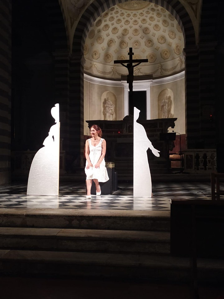 Immagine COME UNA LUCCIOLA NEL PALMO DELLA MANO - Elisabetta Salvatori