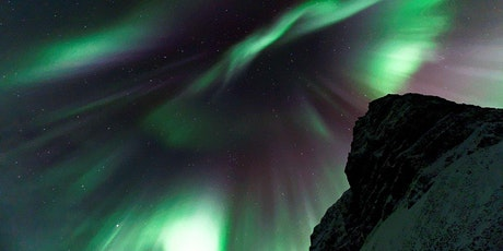 ICELAND – New Year with Northern Lights