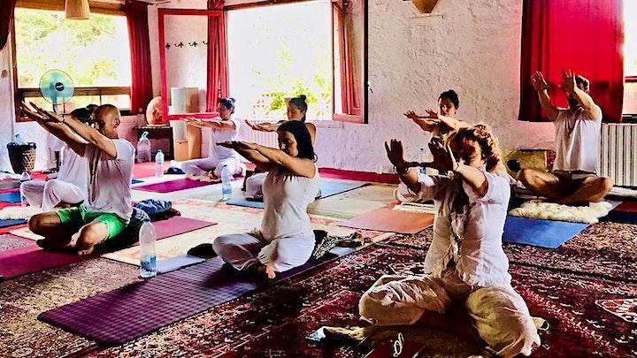 Imagen de Kundalini Yoga Experience con Maestro Kartar (Clases Mayo 2021)