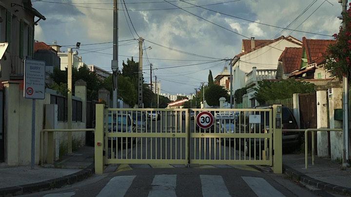 Image pour PROJECTION-DÉBAT // En remontant les murs de Marie-Noëlle Battaglia
