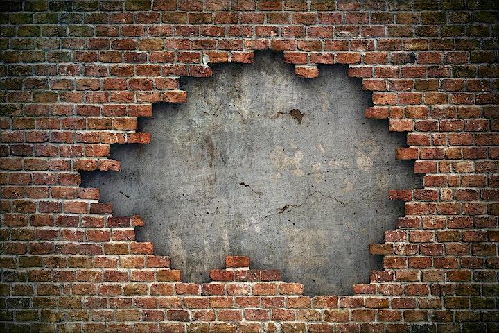Immagine APERICERCA - 6 maggio 2021 - I segreti dei muri