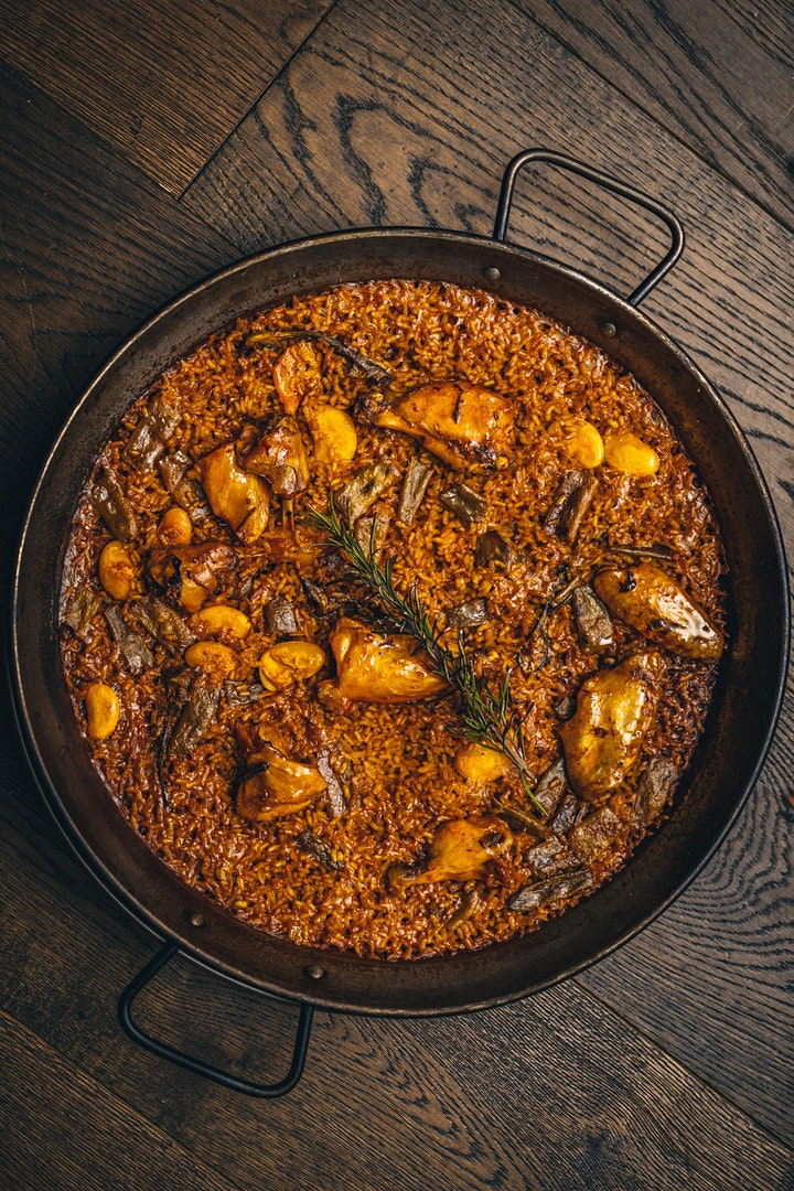 Paella Valenciana cook-along with Quique Dacosta and Vicente Rioja image