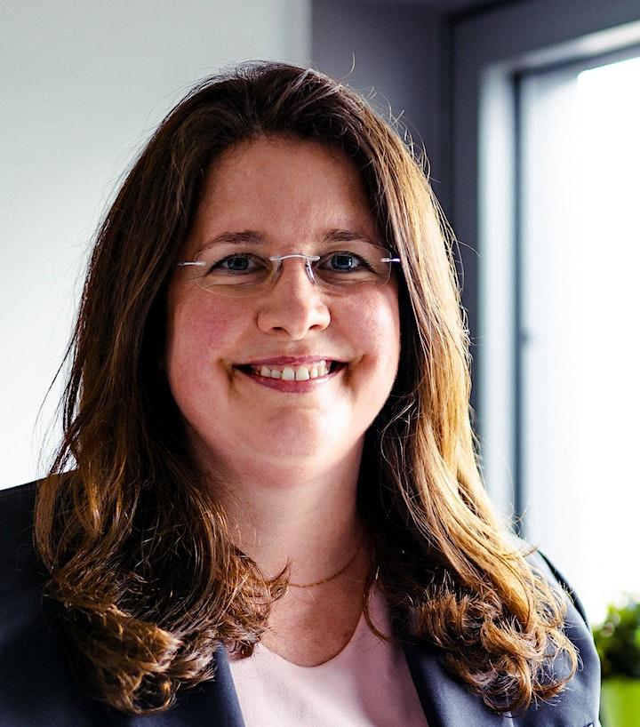"""Julia Brouns präsentiert: """"Nebenberuflich ein eigenes Business aufbauen"""": Bild"""
