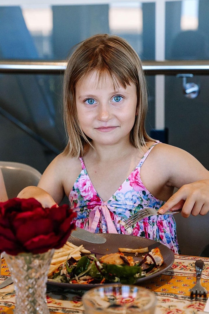 Christmas Edition: Modern Table Manners - 8 to 12 yrs image