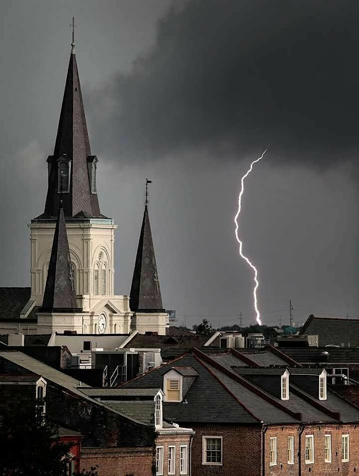 New Orleans Ghost Hunters 101 Tour image
