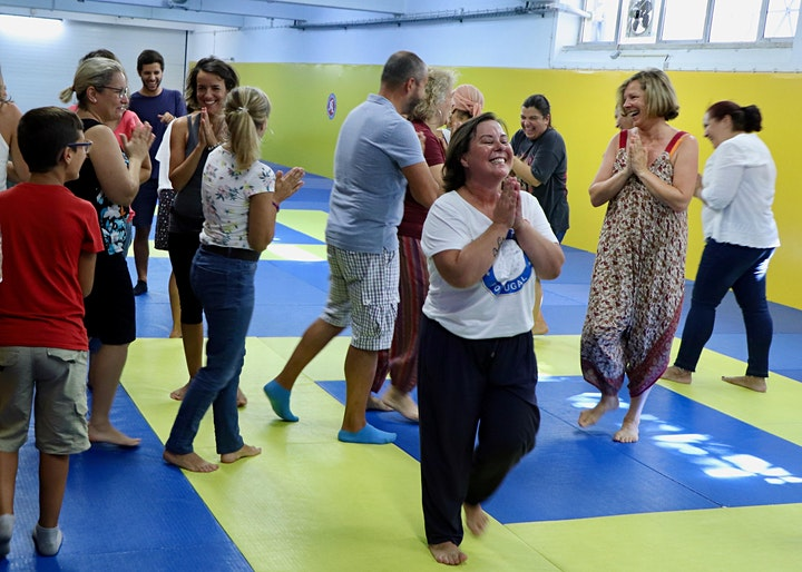 imagem Workshop yoga do riso
