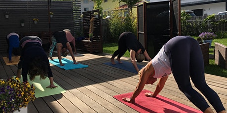 Online Yoga Freitag um 9:00 Uhr