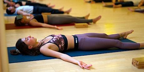 Yin Yoga und Yoga Nidra auf Spendenbasis am 5. Dezember 2020 Tickets