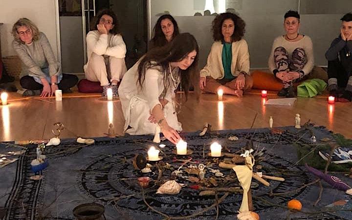 Immagine Luna e Sorelle nella Worldwide Womb Blessing