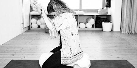 Hatha Yoga mit Olesia - ONLINE KLASSEN - Deutsch Tickets