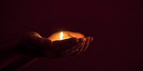 Ein Licht geht uns auf in der dunklen Nacht - Adventimpulse für Familien Tickets