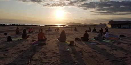 50 Hour Yoga Teacher Training in Italy (Beach) biglietti