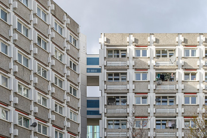 Islington : New Towns and High Rises - an urban history of Britain image