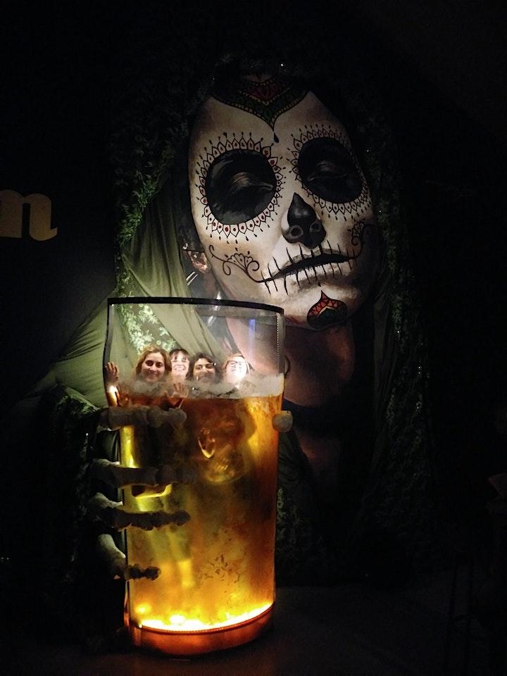 Imagen de Tour Cerveza Artesanal Argentina + Comida callejera en Palermo!