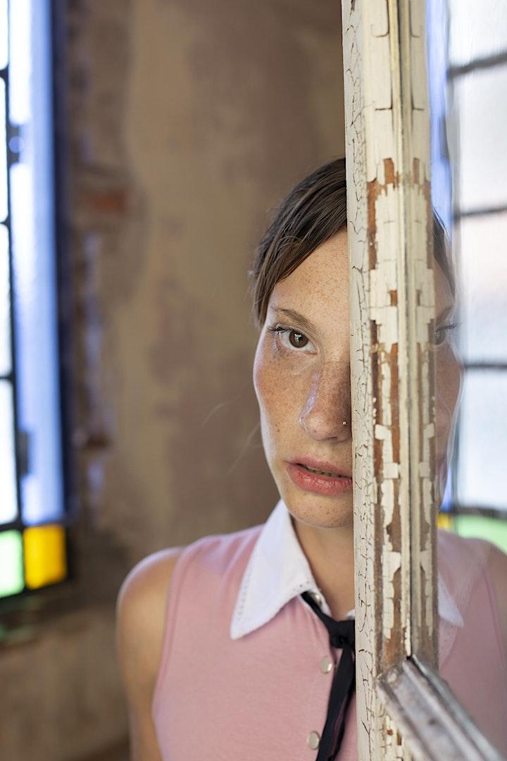 """Taller de Fotografía: """"El Retrato, la Luz y la Creatividad"""" image"""