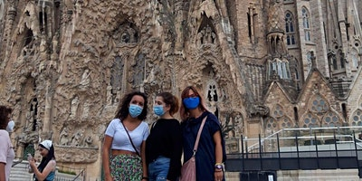 Walking tour barrio Sagrada Familia