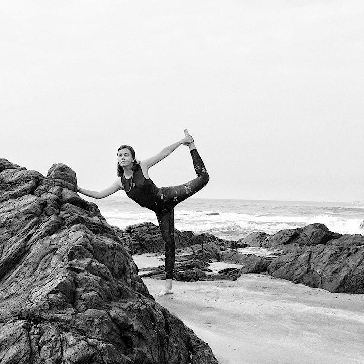SALON F ONLINE // Vinyasa Yoga with Olena: Bild