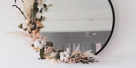 Atelier miroir avec fleurs séchées billets