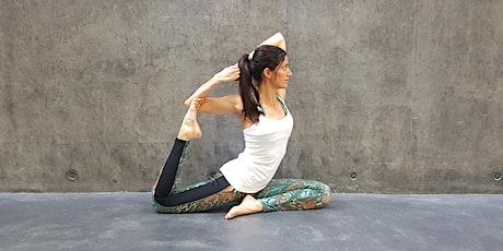 Online-Yoga-Class Live, 75 min. in Deutsch Tickets