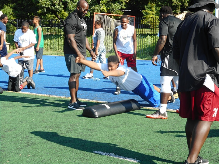 2021 SEVILLE SKILLS YOUTH FOOTBALL CAMP image