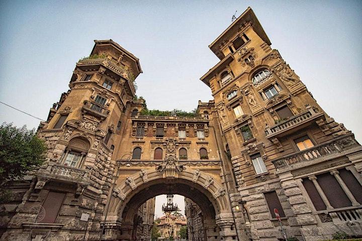 Immagine Tour del Quartiere Coppedé  e  di Villa Torlonia: architettura e simbologia