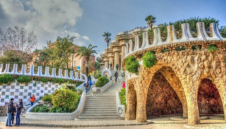 Virtual Guided Tour of Barcelona's Picasso Museum and the Gaudi image