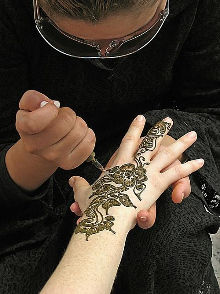 Virtual Live Tattoo Experience: Traditional Henna in Morocco image