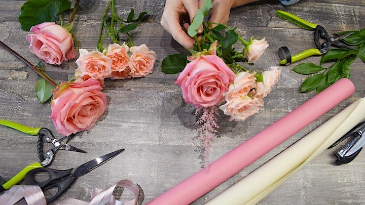 99 Stalks Rose Bouquet Workshop image