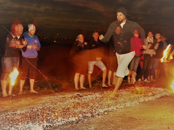 Der Feuerlauf von Easymind Mentaltraining bei Vollmond: Bild