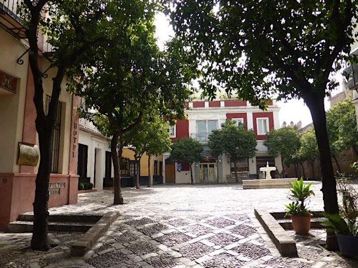 Imagen de SANTA CRUZ Y SUS PLAZAS. Ruta guiada por rincones con encanto del barrio