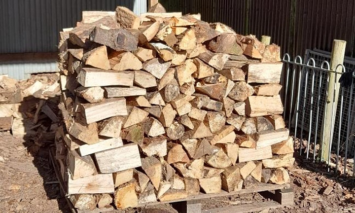 Firewood click and collect 10am to 11am image