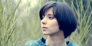 KIRA MALYGINA - Singer-songwriter from Moscow - Live...