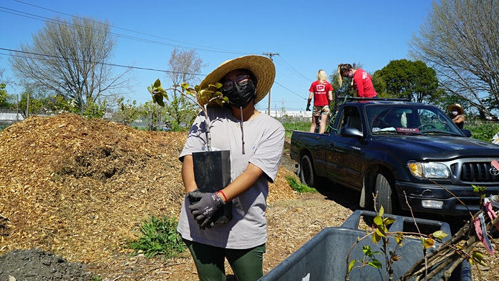 Earth Day Volunteer Day at the North Richmond Farm image