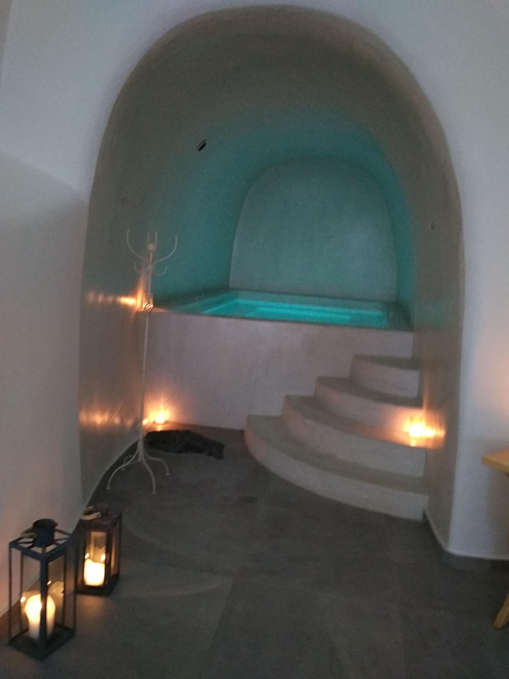 Couples' Romantic Aromatherapy Package at Cave Winery Spa image